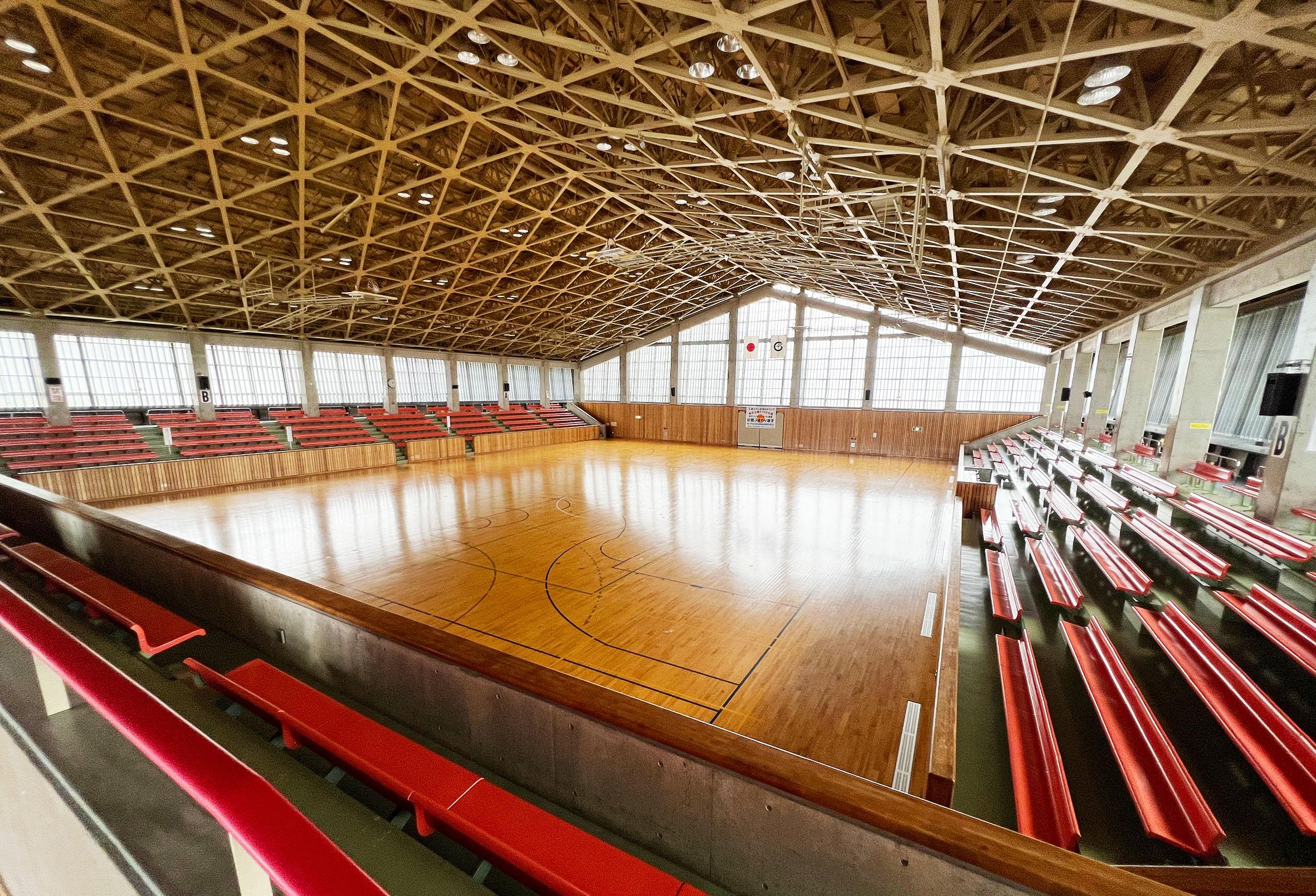 七尾総合市民体育館内館1